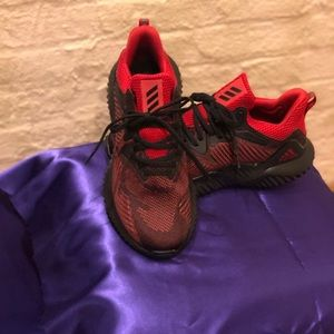 adidas Shoes - Men's Adidas alpha bounce size 8.